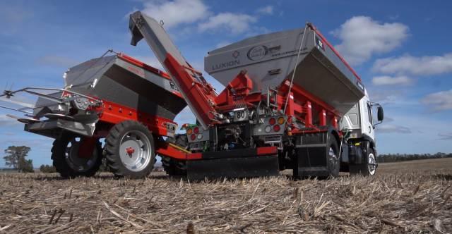 Sistema de transporte de semillas y fertilizantes. Que método resulta más eficiente?