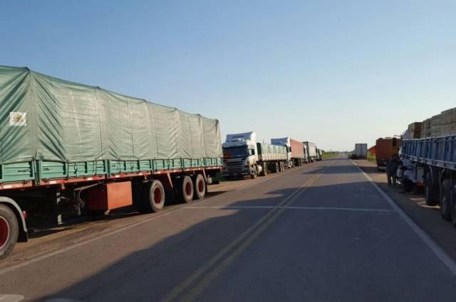 Sin los autoconvocados acuerdan un incremento de 22% en las tarifas del transporte de granos