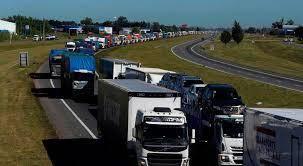 Los retenes de transportistas de cargas continúan complicando el abastecimiento en diferentes rubros